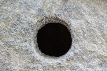 41話の謎【ドアの穴と亜人の性質・電話の内容】